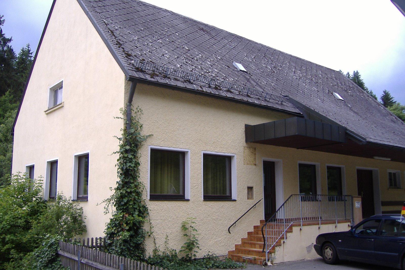 Haus in bayern wohnen in einem lager werkstatt bayern haus for Regensburg wohnung mieten